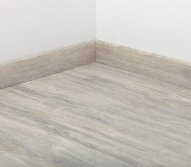Плинтус Tarkett 80x20 Art White Canvas