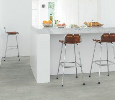 Виниловый ламинат Quick Step Livyn Ambient Click AMCL40050 Бетон тёплый серый